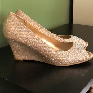 Gold sparkly wedge heel